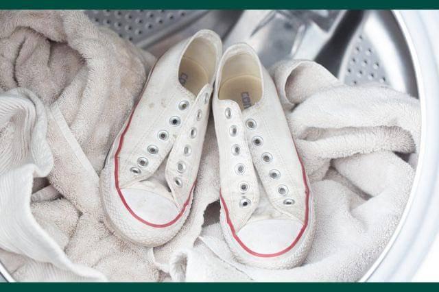 تصویر از شستن کفش کتانی و چگونگی آن در ماشین لباس شویی .
